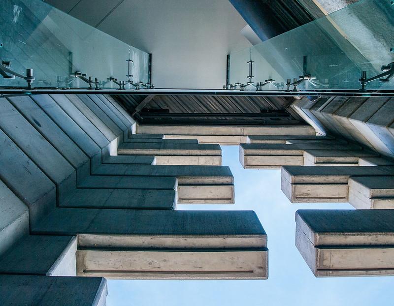 Конструкция небоскреба Torre Reforma в Мехико