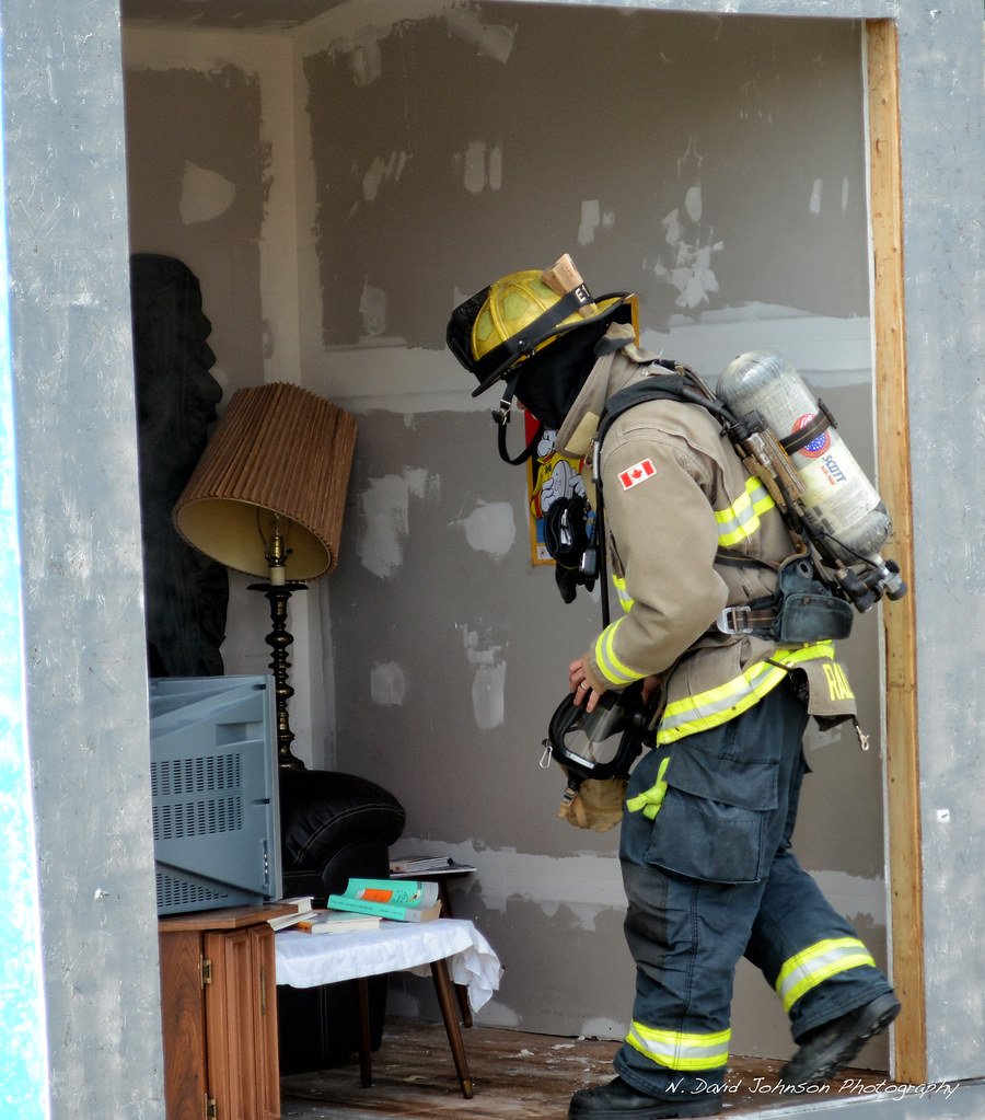 Burn cell demo - Port Colborne Fire and Emergency Services