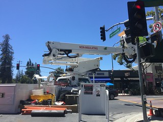 Stop light upgrade at Lincoln and Minnesota, San Jose, CA, 12 July 2016