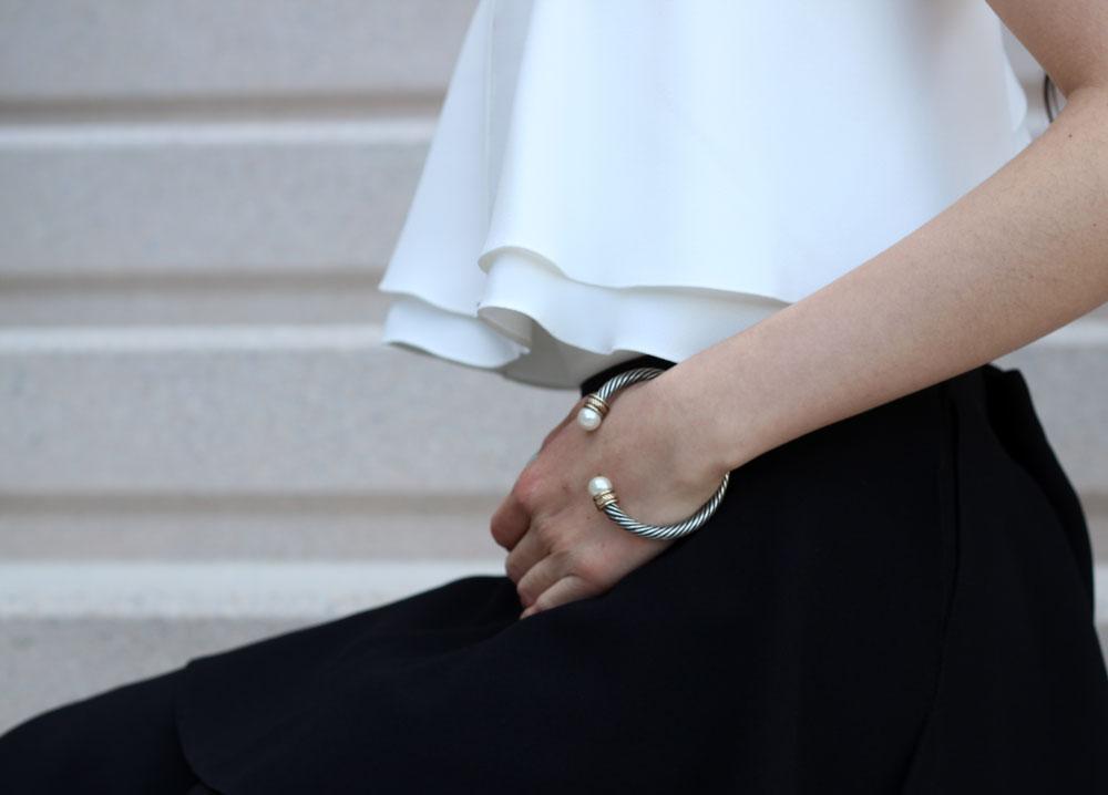 Double knob open bracelet