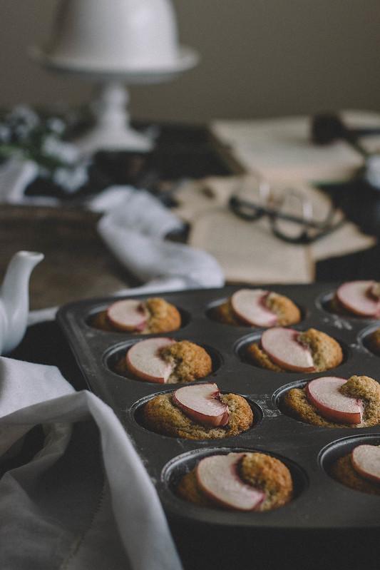 Peach, Cardamom & Pistachio Financiers // TermiNatetor Kitchen