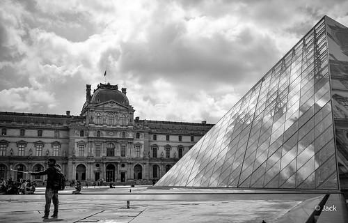 En passant voir JR au Louvre