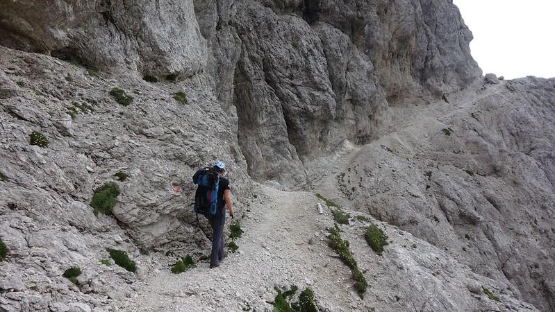 Ook de 'gewone' paden zijn niet altijd even makkelijk. Dit is een erg ruw gebergte. Tredzekerheid is zeker vereist.