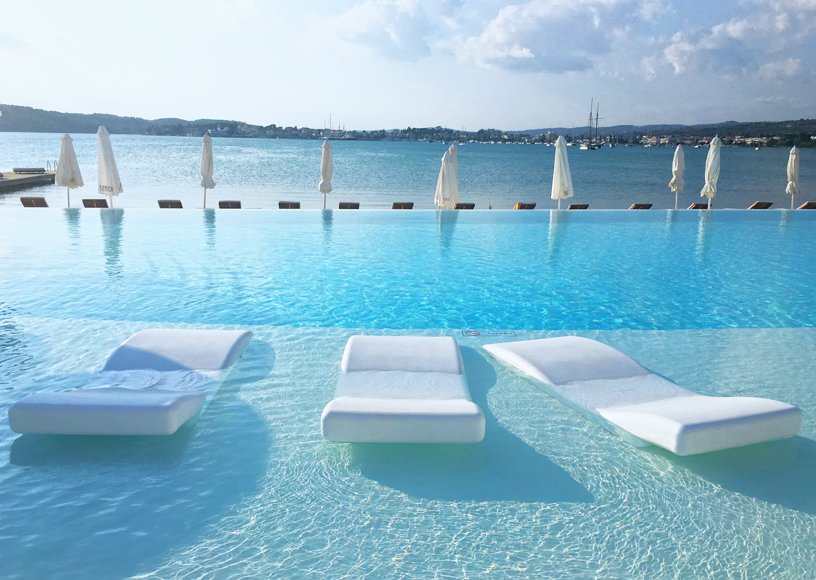 Nikki_beach_pool