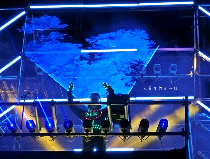 35 香港 閃躍維港 3D光雕匯演