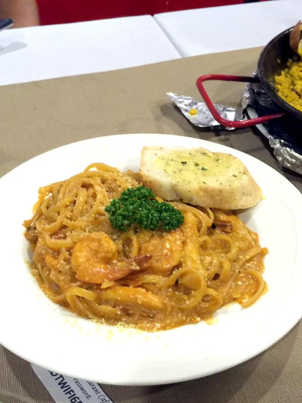Mateo's Restaurant Cafe- Seafood Caprese Linguini P295
