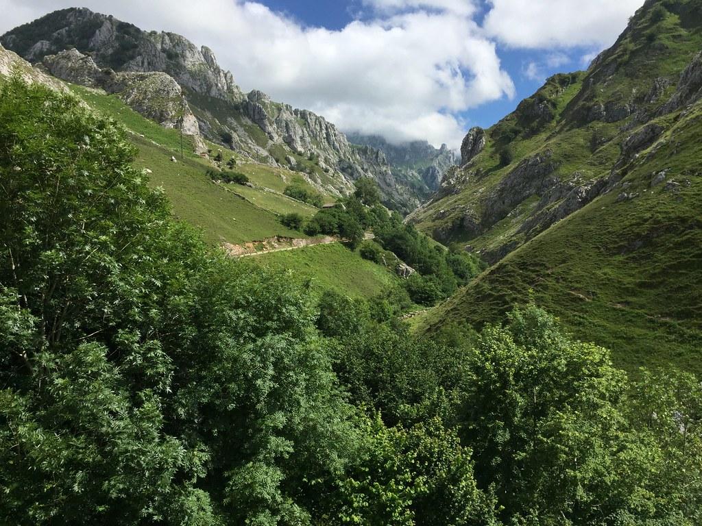 Hojas de ruta (6). Los Picos de Europa (1). Tielve