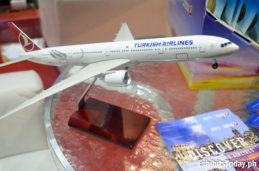 Turkish Airlines toy plane