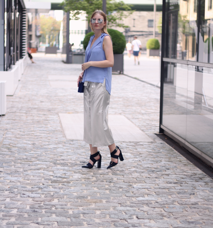 outfit köln blogger culottes heels blouse bag blue silver look sunglasses