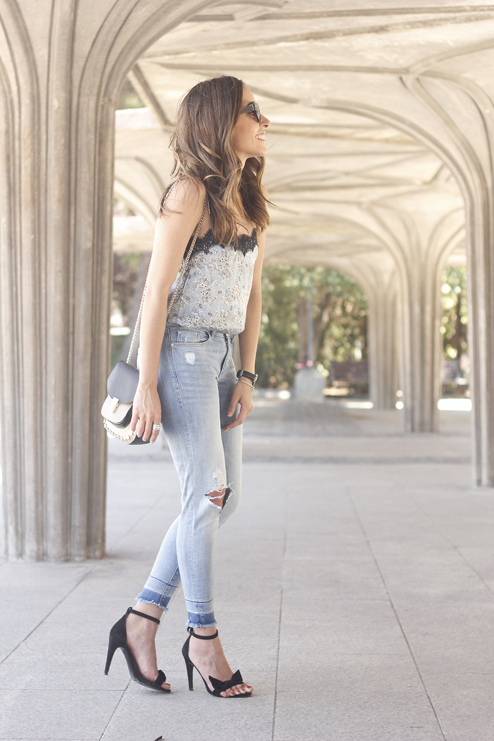 Lace top with skinny jeans heels summer outfit fashion style accesories19