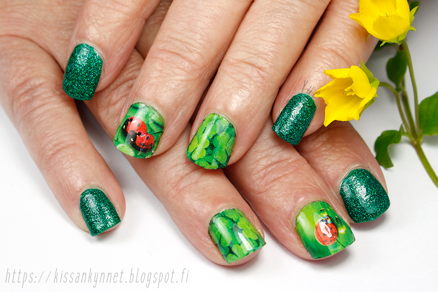 summer_lady_bug_nail_art