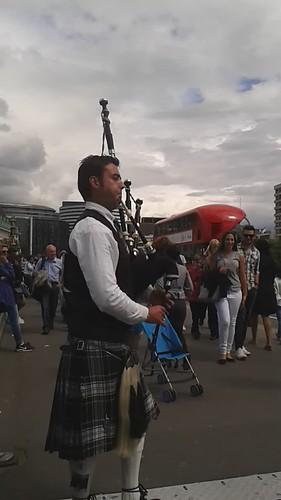 Londra-İskoç-Gayda