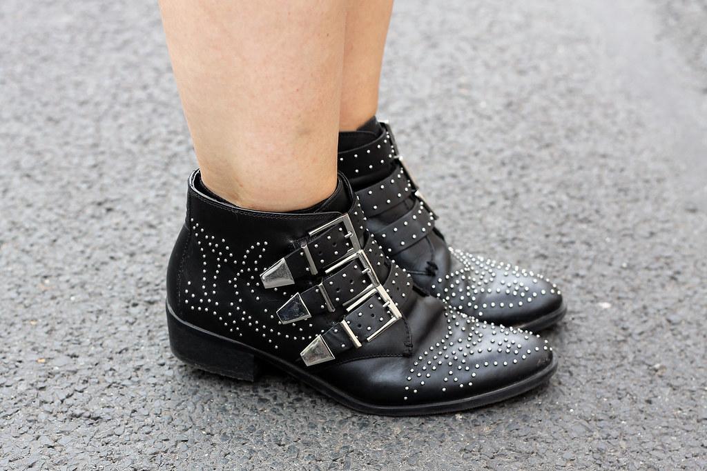 outfit-europapassage-jeanskleid-sommer-trend-look-modeblog-fashionblog-stiefeletten-chloe-lookalike15