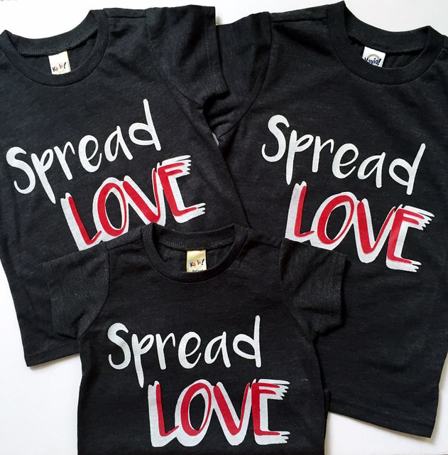 Spread-LOVE-tees-1009x1024