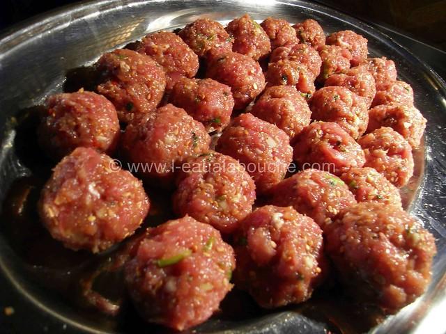Boulette de Porc au Sésame au Curry Vert © Ana Luthi  Tous droits réservés 3