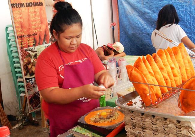 empanadas-street-vendor