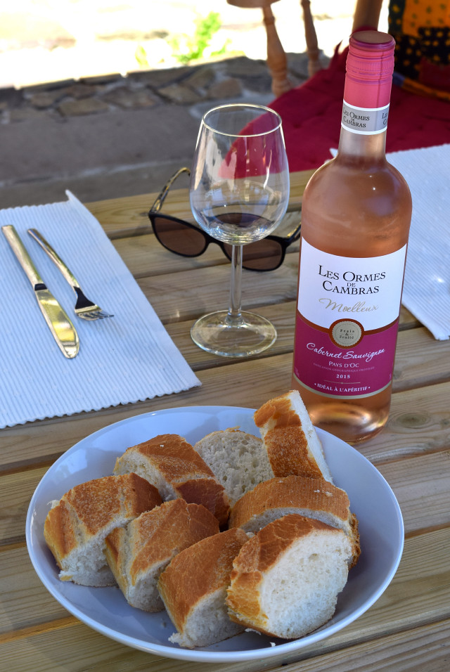 French Bread and Wine | www.rachelphipps.com @rachelphipps