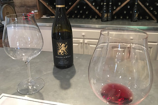 Joseph Jewell Winery - Wine tasting pinot noir