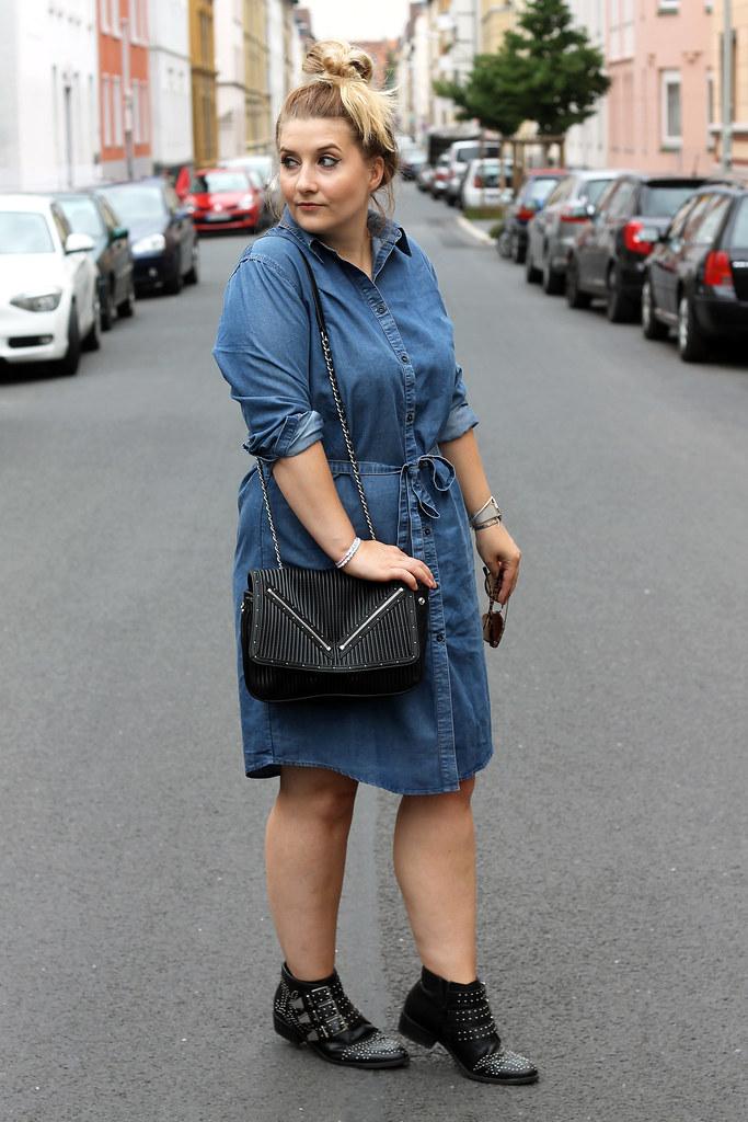 outfit-europapassage-jeanskleid-sommer-trend-look-modeblog-fashionblog-stiefeletten-chloe-lookalike16