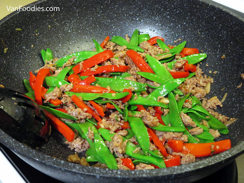 Johnsonville Sausage Snow Peas Stirfry