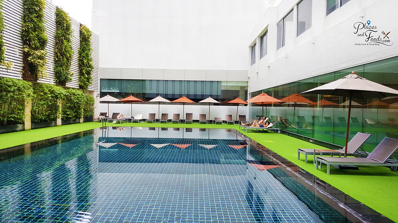 mandarin hotel bangkok swimming pool