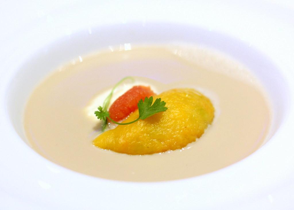 ocean-restaurant-cat-cora-lobster-milk