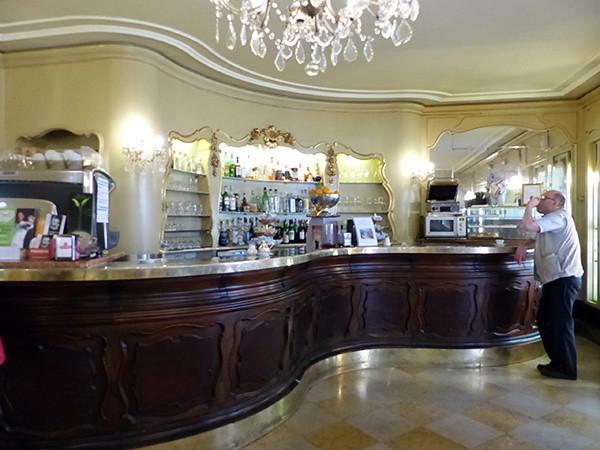 bar de chez Klainguti